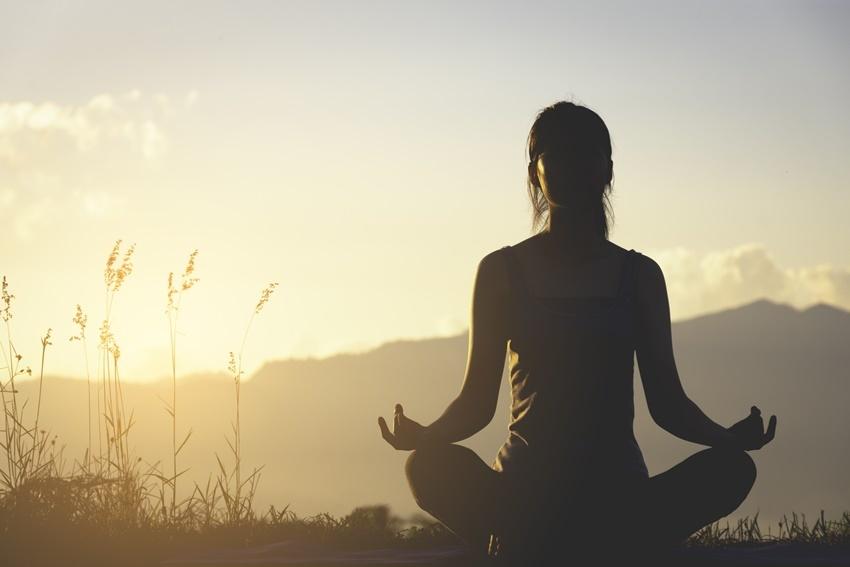 ashtanga-yoga-libro-macro