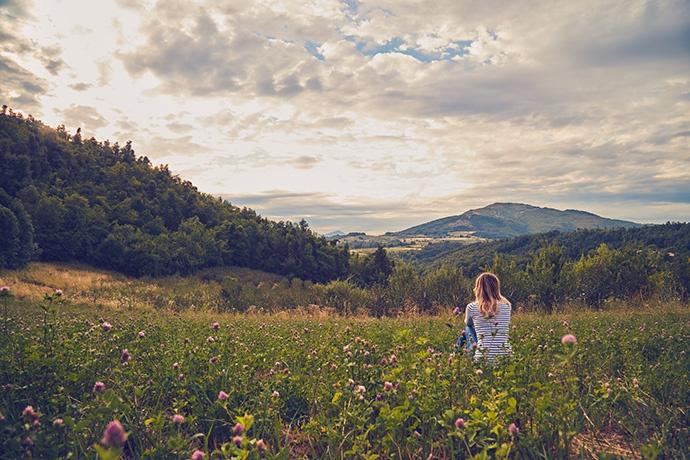Per aumentare la concentrazione contempla il cielo, un paesaggio o la natura